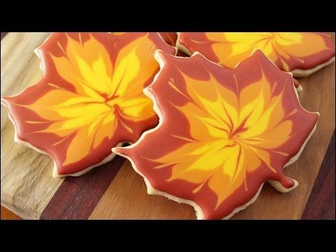 Learn how to decorate these autumn maple leaves! Make a whole pile of them and dive right in! ;-) Make these for Thanksgiving and be the talk of the get toge...