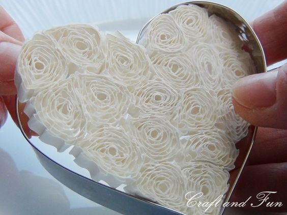 Tutorial - Quilling with cookie cutters! Now that's smart!