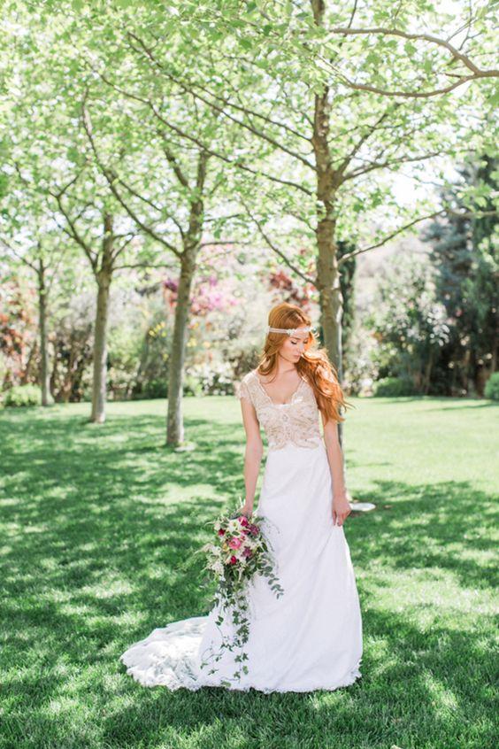 Romantic bridal shoot in Athens - Love4Weddings
