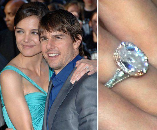 Pin for Later: Die schönsten Eheringe der Stars Katie Holmes Tom Cruise machte am Eiffelturm in Paris im Juni 2005 einen Verlobungsantrag. Katie wurde mit einem Ring im Wert von 250.000 US Dollar belohnt.