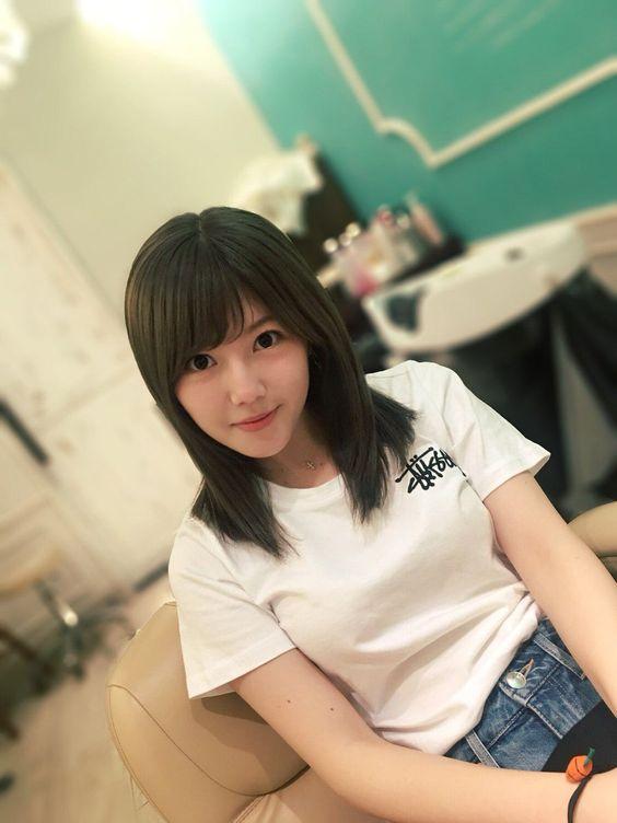 Tシャツ姿のラフな宮崎美穂