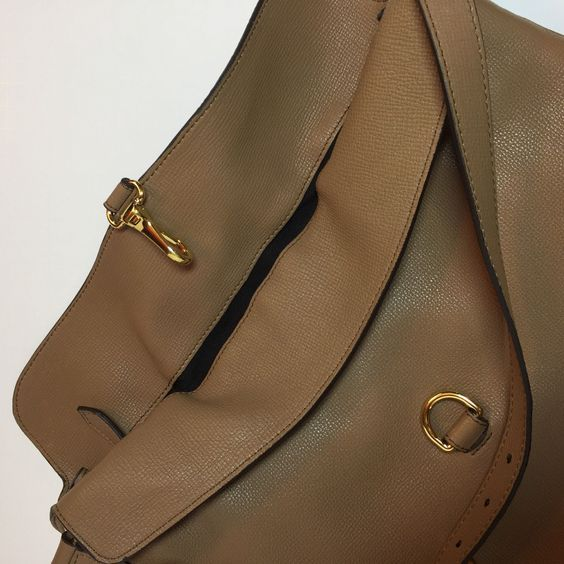 18b3463df090 NEW Burberry Cornwall Derby House Check Grainy Leather Shoulder Bag  1595   799.0
