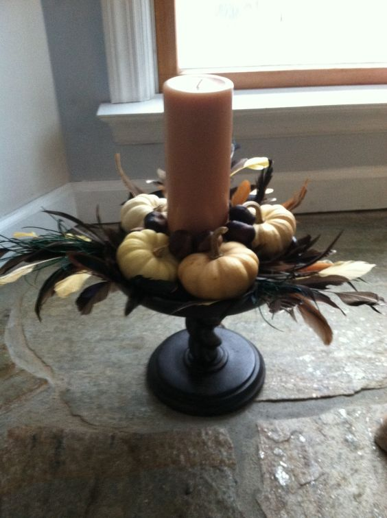 I made this Thanksgiving centerpiece for Mum's house
