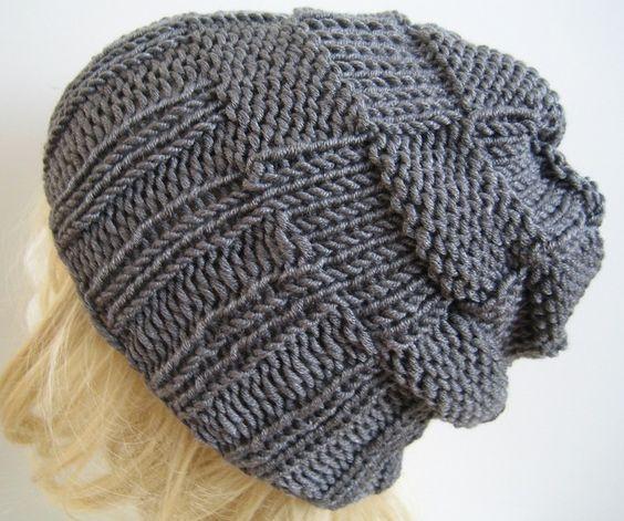 Beaniemützen - ♥ RESERVIERT für Raúl ♥ Mütze Beanie grau - ein Designerstück von Annett-NettiStrick bei DaWanda