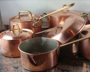Como limpar panelas de cobre