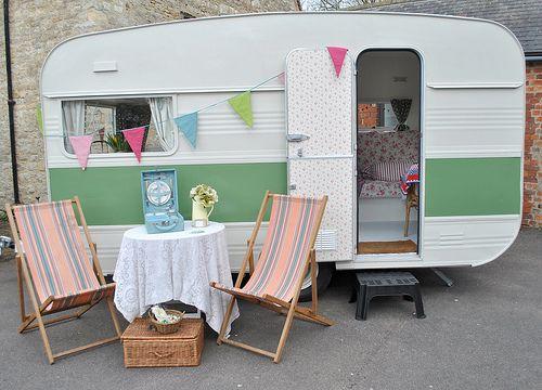 vintage caravan vintage caravan love pinterest decks. Black Bedroom Furniture Sets. Home Design Ideas