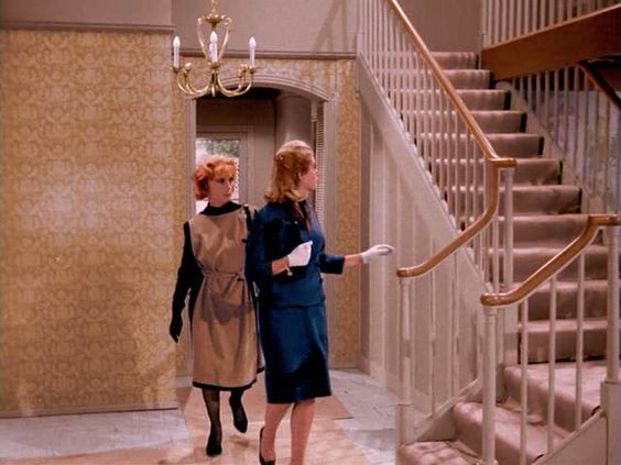 The episode in which Samantha & her mother, Endora, first tour the home & Samantha conjures up new looks | Bewitched | September 1964 – March 1972