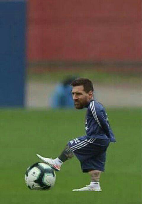 El FCB hace oficial la renovación de Leo Messi
