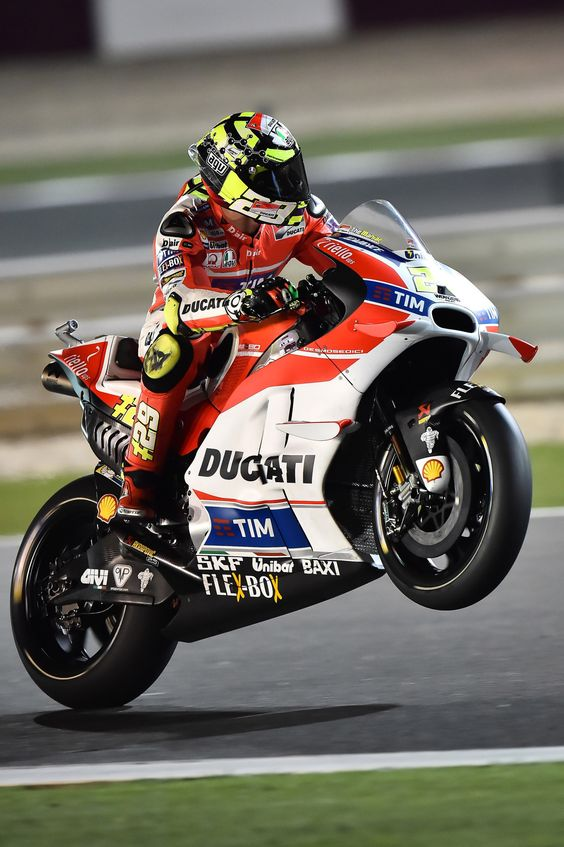 Andrea Iannone  Qatar 2016