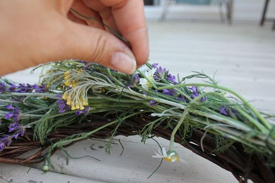 herb wreath DIY -- nice smelling welcome at the front door.
