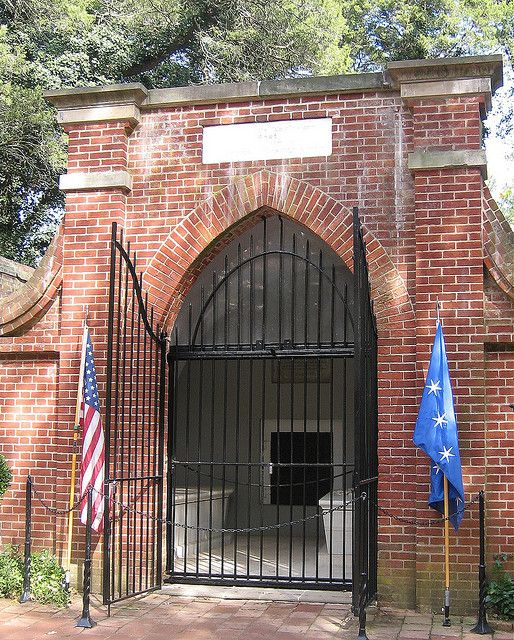 Tomb of George and Martha Washington - Mount Vernon, Virginia