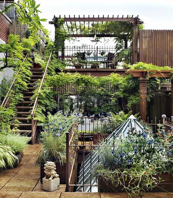 bepflanzte terrasse freien dachwohnung einrichten garten pinterest. Black Bedroom Furniture Sets. Home Design Ideas