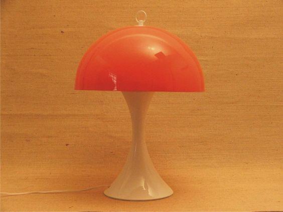 abajur madecril, pintura eletrostática e cúpula de acrílico!