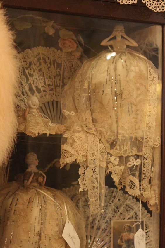 Sheelin Antique Lace Shop Porcelain Ladies With Antique Lace Gowns