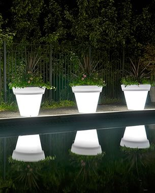 Attractive Rotoluxe™ Vazon Methuselah Planter   Outdoor Use | Solar, Dark And Gardens Nice Look
