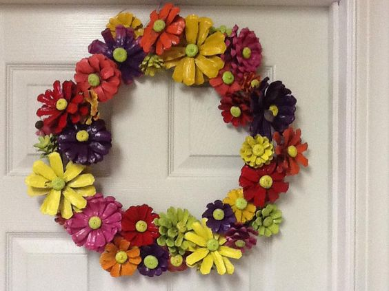 Fall wreath crafts made from pine cones spray paint wreaths
