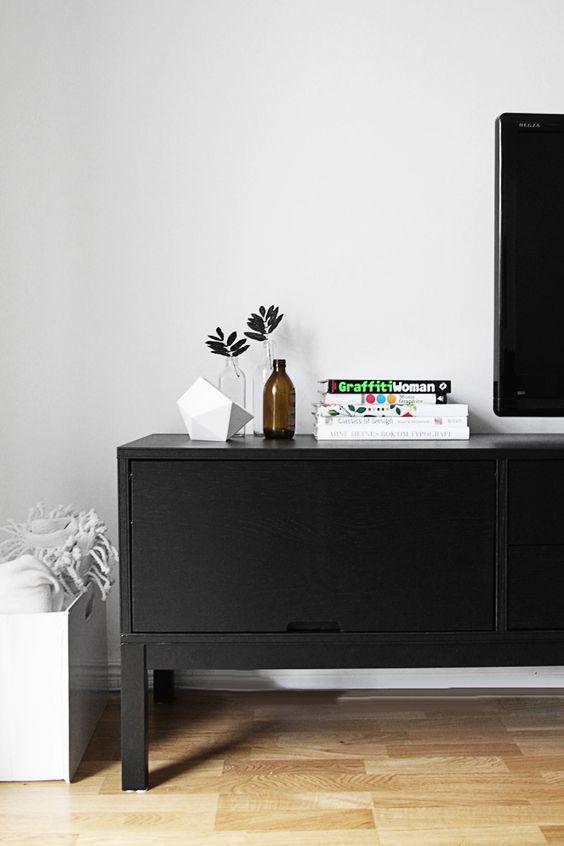 My black and white livingroom.
