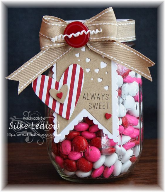 What a great DIY Valentine's gift - a beautifully decorated Mason Jar filled with candy!