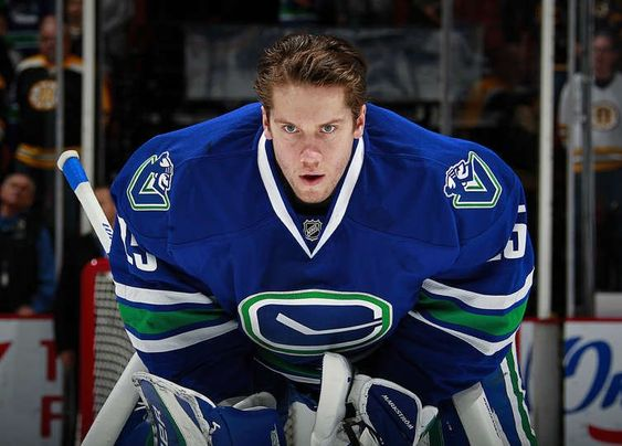 Jacob Markstrom 25 Of The Vancouver Canucks Vancouver Canucks Vancouver Canucks San Jose Sharks Nhl Sports Soccer Nba In 2020 Canucks Vancouver Canucks Hockey Players