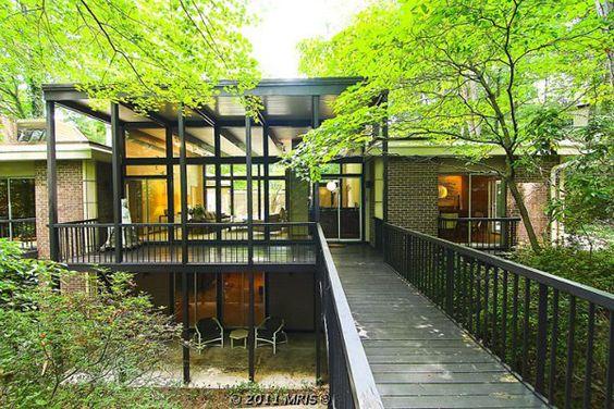MODERN IN MARYLAND: mid century modern gem. 10/29/2011 via @Tyler Goodro plastolux