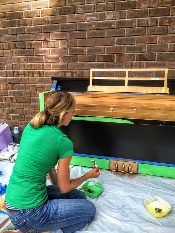 It's not everyday that you get to paint a piano! I had so much fun working on the design, I'm already dreaming up a new design for next year!