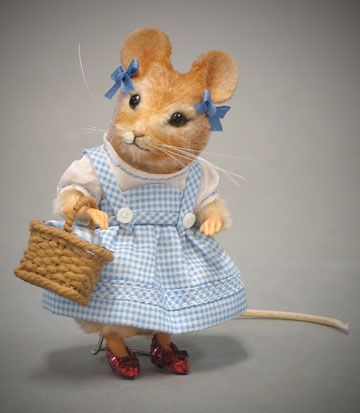 Dorothy Mouse by R. John Wright: