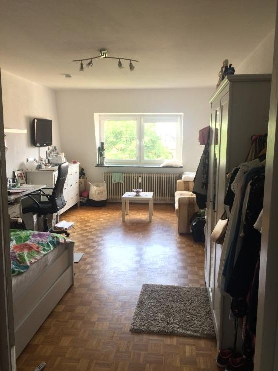 22 Qm Zimmer In Netter 3er Wg Und Super Lage Zwischenmiete Mogl Wohngemeinschaften Nurnberg St Johannis Wg Zimmer Zimmergestaltung Haus