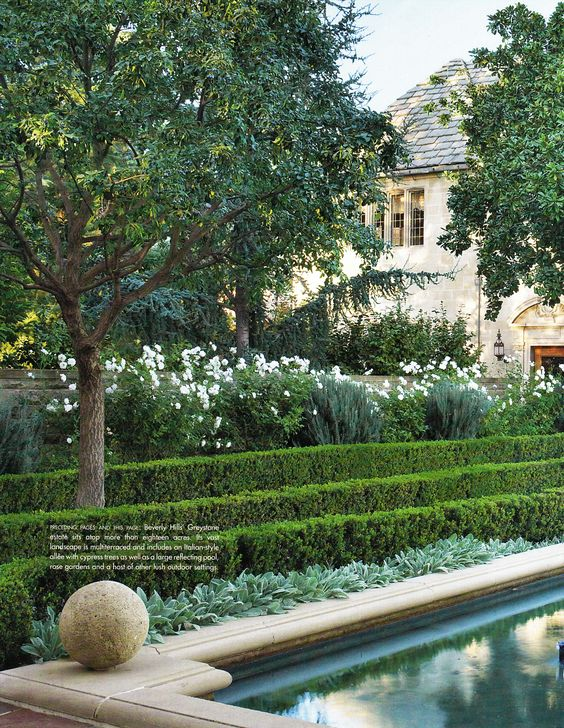 Doheny mansion beverly hills reflecting pool garden for Garden reflecting pool