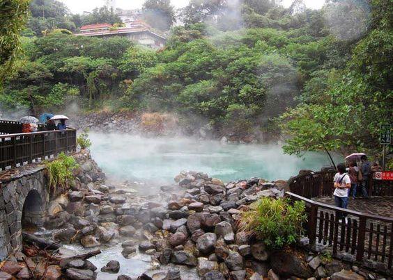 Tắm suối khoáng nóng - trải nghiệm tuyệt vời của mùa đôngTắm suối khoáng nóng - trải nghiệm tuyệt vời của mùa đông