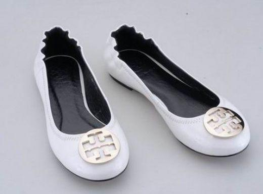 Tory Burch Classical Reva Ballet Flat White  http://www.8minzk.com/f/Tory-Burch-Sale   toryshoesforsale.com