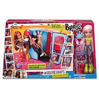 Bratz® #SelfieSnaps Photobooth with Cloe Doll