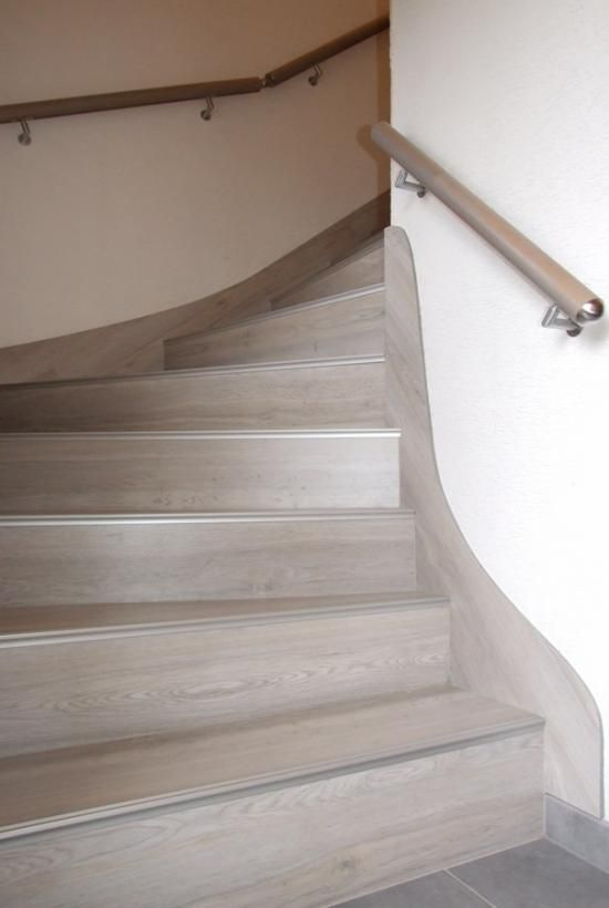 Habitats on pinterest for Habillage marche escalier beton exterieur