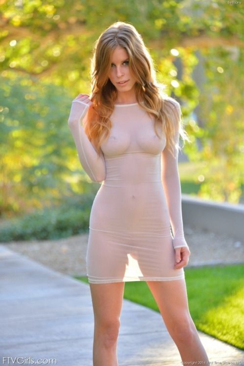 gobowild:  Translucent dressWatch sexy girls Here !!Are u horny ? click Here !