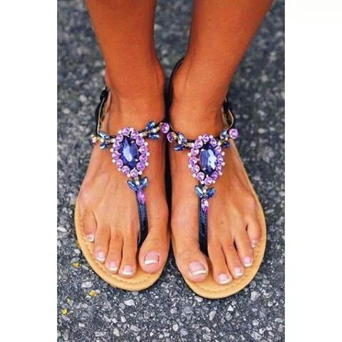 Sandalias morada con piedras