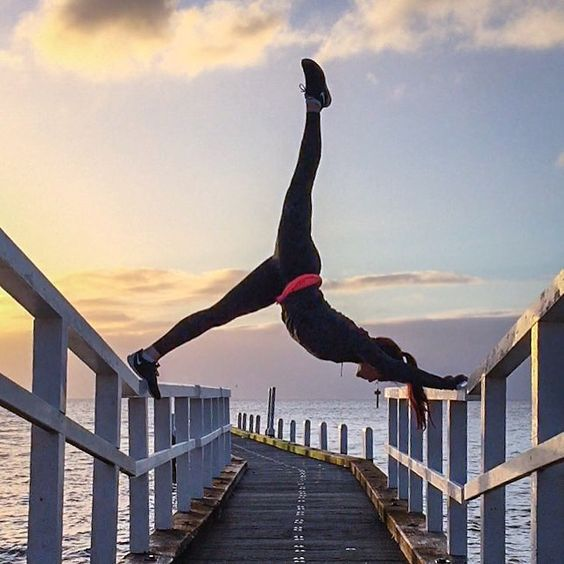 It's time to announce the winner of our #ShowUsYours giveaway! @rebeccawinther totally blew us away with this awesome pose -- DM us for details on how to claim your prize! Our second prize winner was @avergaracnn -- DM us for more info please! Thanks to everyone who participated and especially @reebokwomen @hickies @lesportsac & @im_with_the_band_headbands for joining forces for this amazing giveaway! Stay tuned gals we've got more coming down the pike for #team38!