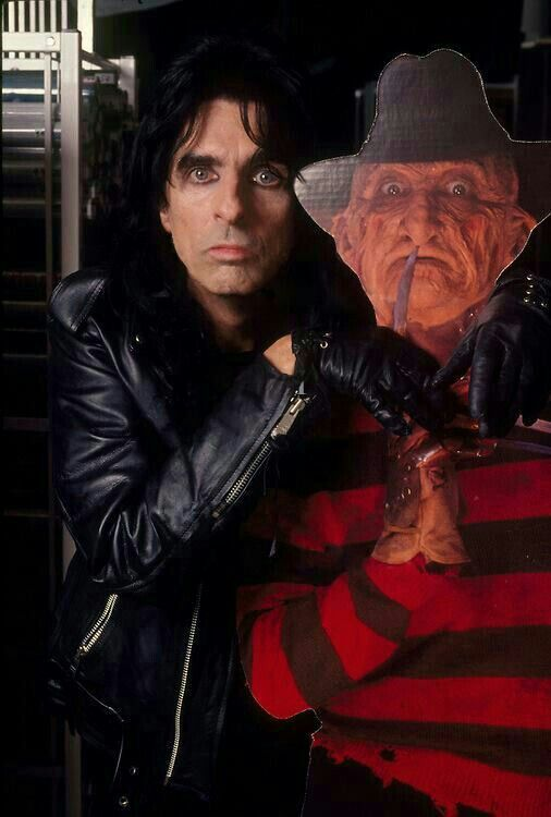 AWESOME! ALICE COOPER AND FREDDY KRUEGER.