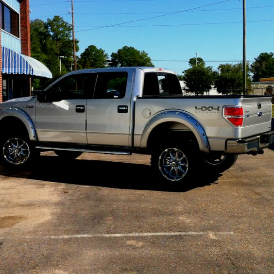 2011 F150 4x4 6in pro p lift 35x12 5x20 rims and tires