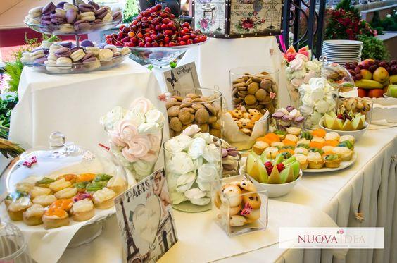Un colț dulce este întotdeauna este un răsfăț delicios pentru invitații la un eveniment.  Nuova Idea