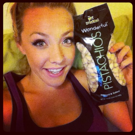 @Tori Rachael:So after my jog I decided to great myself to some pistachios.. And I found the BIGGEST BAG EVER. #bestdayever #ilovemylife #iwerkout #iworkout #treat #pistachios #wonderful #getcrackin! #mylife #model #nuts #blonde #black #green #myvi #visalus #fan #sorrynotsorry #noho #cali