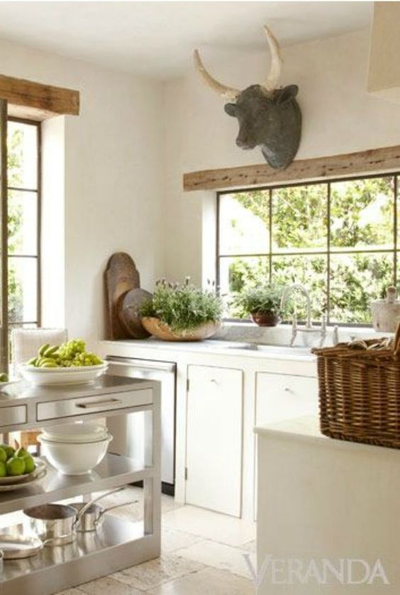 French Country kitchen design by Pamela Pierce in Veranda magazine. COME TOUR a BREATHTAKING collection of FRENCH COUNTRY and French Farmhouse decor, interiors, and exterior moments of beauty. #Frenchcountry #Frenchfarmhouse #kitchendesign #farmhousekitchen #livingroomdecor #bedroomdecor #bathroomdecor #homedecor #interiordesignideas #decoratingideas #furniture #dreamhomes #interiordecorating #modernfarmhouse