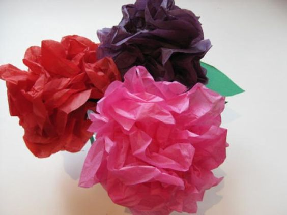 How to make tissue flowers in 10 easy steps easy crafts for kids 10 kid friendly steps to make tissue paper flowers tissue paper flower crafts for mightylinksfo