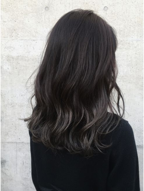 大人かわいい黒髪ハイライトカラーエメラルドグレーパール L004024512