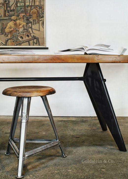 Vitra-Prouvé-Tischgestell trifft Goldstein-Tischplatte