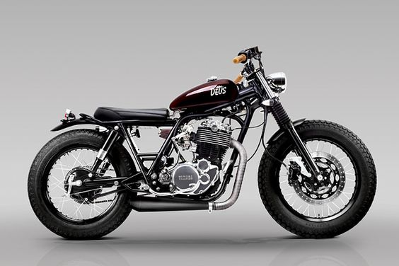 When the guys at Deus Bali heard about a beat-up Yamaha SR400 for sale, they snapped it up. They reckon it's the only SR400 on the island, so they've given it the attention it deserves.
