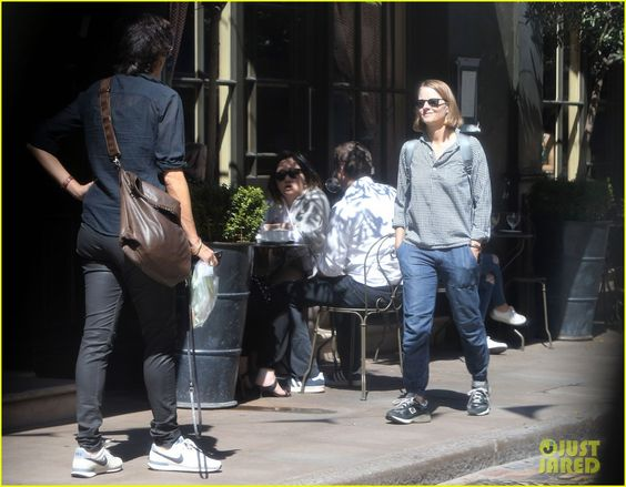 Jodie Foster & Wife Alexandra Hedison Take in the Sights in London