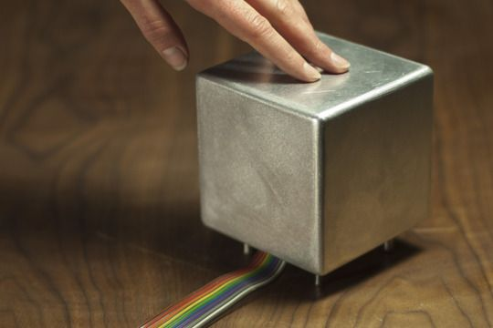 This aluminum cube communicates the weather forecast in a tangible sense by heating or cooling to the exact temperature based on online weather data. Awesome!