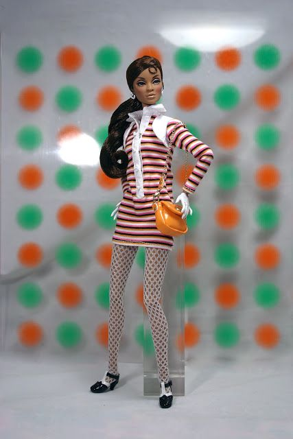 The Fashion Doll Chronicles: Bus Stop Darla Daley - swinging sixties!