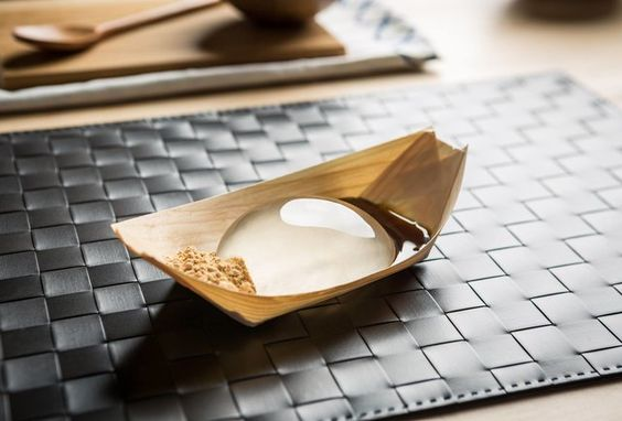 Raindrop Cake: Find Out What It Really Tastes Like