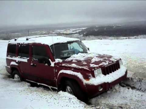 Jeeps Stuck in Snow: Jeep Commander Stuck