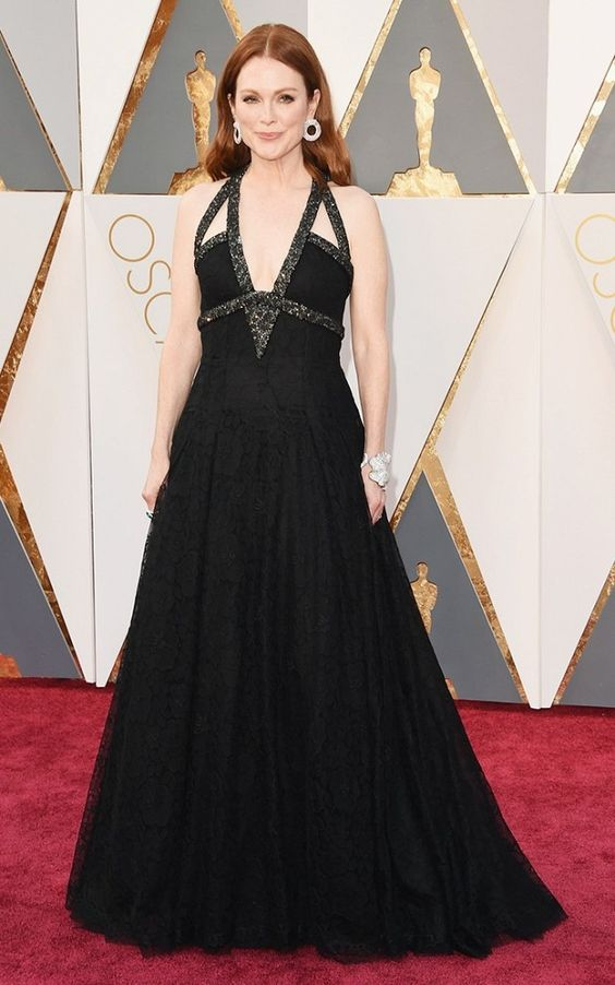 Julianne Moore wears a Chanel Haute Couture beaded gown with Chopard jewelry